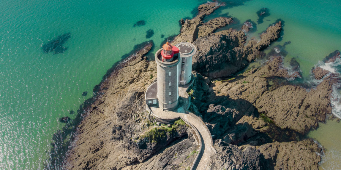 bretagne lighthouse phare france ocean